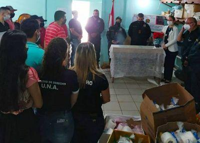 Proyecto Extensión Universitaria de la carrera de Derecho de la UNA, entregó donativos en la cárcel de Pedro Juan.