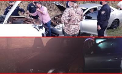 Recuperan dos vehículos robados tras persecución y abandono