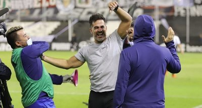 Iván Almeida se despidió de Sol, que volverá a cambiar de DT