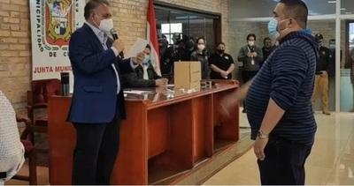 Renunció Prieto y asumió Hugo Benítez como nuevo intendente de CDE