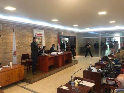 Prieto renuncia a la intendencia de Ciudad del Este para buscar reelección