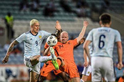 Países Bajos sufre sin Van Dijk