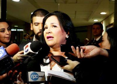 Exsenadora Bajac denuncia ante CIDH su expulsión del Congreso