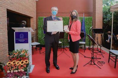 Con condecoraciones a personalidades, se celebró Fiesta Nacional de Italia