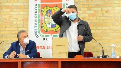 Miguel Prieto renuncia a la Comuna de CDE y buscará su reelección