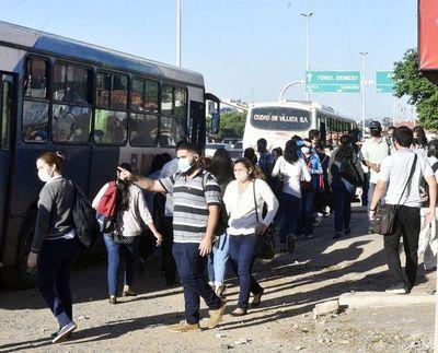 Transportistas dicen que el pasaje debería costar entre G. 4.000 y G. 5.000