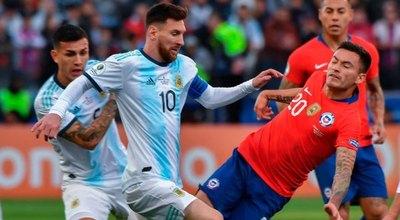 Argentina ante Chile, en un partido marcado por bajas a causa del COVID-19