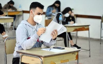 """Hasta con exámenes """"readecuados"""", solo el 38% de los alumnos aprobó"""