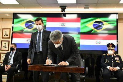 Paraguay y Brasil firman convenio para cooperar con la seguridad fronteriza