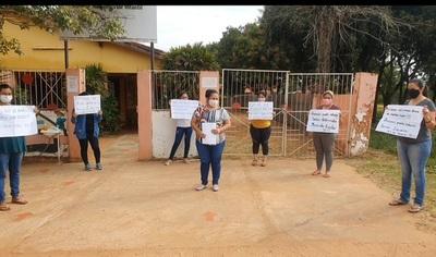 Madres de alumnos exigen a la Municipalidad y Gobernación kits de alimentos