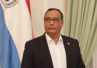 Gobernador de Central dice que supuestas facturas clonadas 'son responsabilidad de entidades beneficiarias'