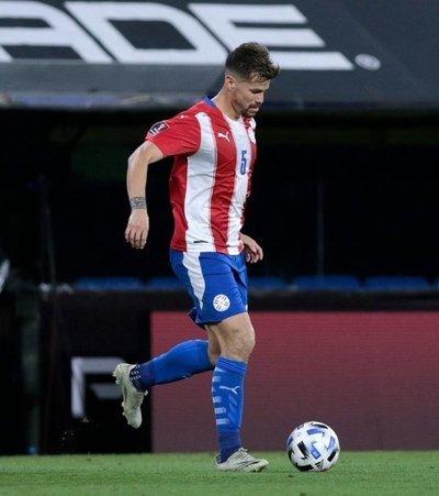 Fanáticos critican rendimiento de Gastón Giménez