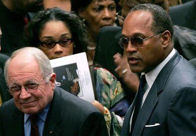 Muere en EE.UU. F. Lee Bailey, abogado de O.J. Simpson y otros casos célebres