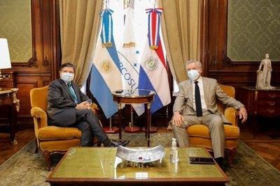 Canciller impulsó negociaciones con el sector público y privado en su visita a la Argentina