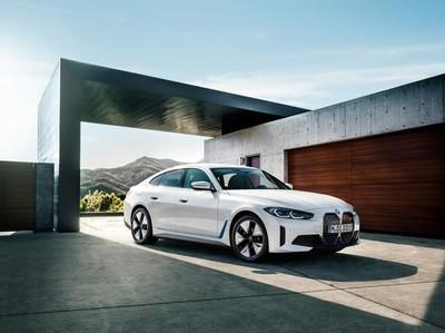 BMW lanza el primer modelo i4