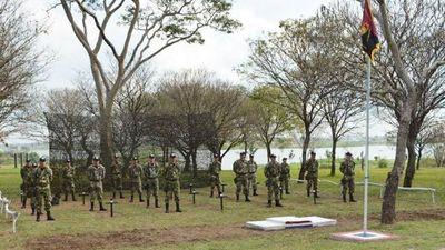 Militar preso por dar escobazos a soldados