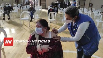 GRAN ESFUERZO DE PROFESIONALES DE SALUD PARA LA VACUNACIÓN CONTRA EL COVID 19.