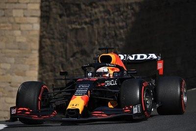 Red Bull domina las libres en Bakú