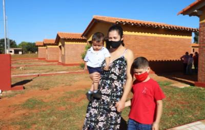 Otras 40 familias se suman a la amplia lista de beneficiarias con viviendas sociales