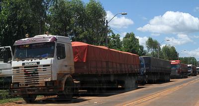 Tras presentación de proyecto de ley, camioneros levantan paro