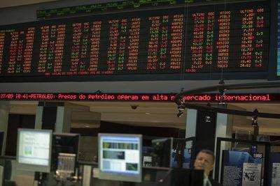 La bolsa de Sao Paulo sigue en su nivel máximo y supera los 130.000 puntos