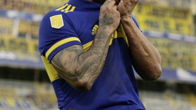 Carlos Tevez se va de Boca Juniors y no descarta el retiro
