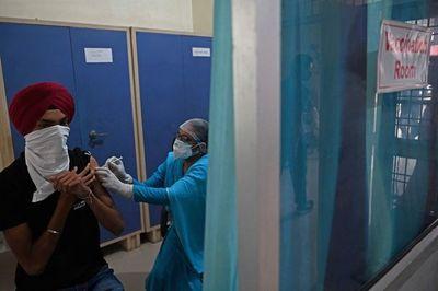 La India registra el menor número de casos de coronavirus en casi dos meses