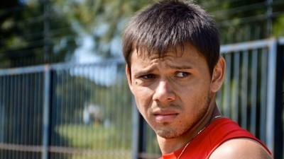Ángel Romero separado del plantel por lesionar a un compañero