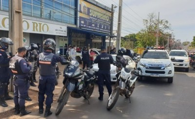 Jóvenes denuncian irregular procedimiento policial en el Km 4 de CDE