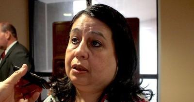 La Nación / Ante denuncias, senadora pide informes a Salud sobre capacitación a médicos