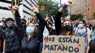 Colombia: Dos civiles muertos y cuatro policías heridos