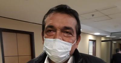 La Nación / Senador Santacruz defiende proyecto para legalizar invasiones