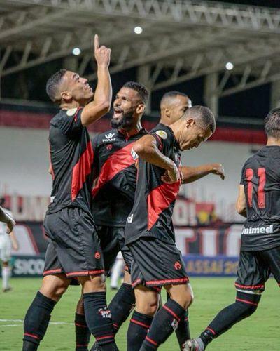 Goianiense trepa a la punta del Brasileirao al vencer al Sao Paulo
