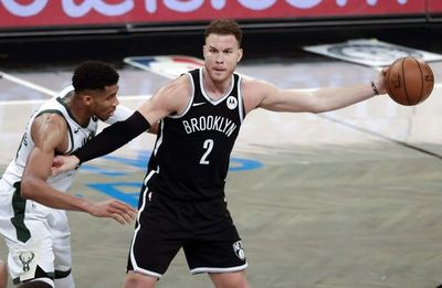 Los Nets ganan primer juego ante Bucks pese a lesión de Harden