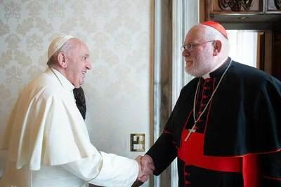Cardenal asesor del papa Francisco renuncia por inacción vaticana en casos de pedofilia