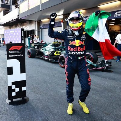 «Checo» Pérez gana el Gran Premio de Azerbaiyán