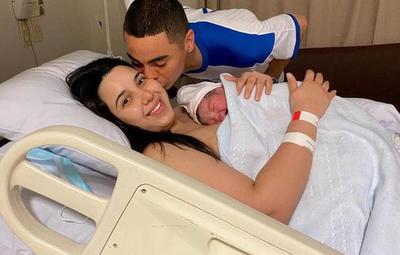 ¡Nació Francesco, el esperado primer hijo de Miguel Almirón!
