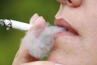 La nicotina es más adictiva que la cocaína y heroína