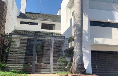 Intendente de Asunción estrena  una coqueta casa en zona exclusiva