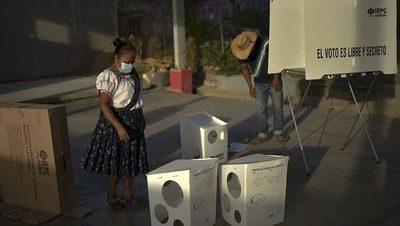 Violencia empañó las mayores elecciones en la historia de México