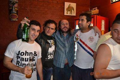 Adiós a Rubén Velázquez, cronista del rock paraguayo