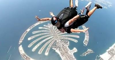 La Nación / La paraguaya más linda saltó en paracaídas en Dubái