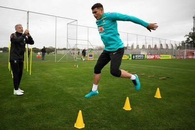 Brasil muestra nuevo trío ofensivo en último entrenamiento antes de Paraguay