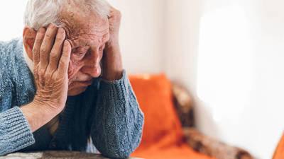 Estados Unidos aprobó una nueva y controvertida droga para tratar el Alzheimer
