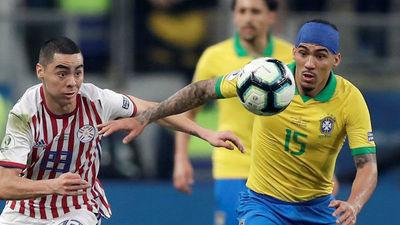 """""""Paraguay, no creo que en el partido sea protagonista, pero le puede hacer daño a Brasil""""- Nelson Cuevas"""