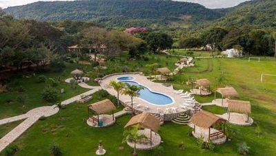 ¿Alojarse en un iglú rodeado de serranías? Sí, es posible y está en Paraguarí