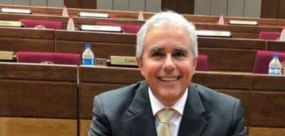 Fidel Zavala, fuerte candidato de la oposición para presidir el Senado, según Bacchetta