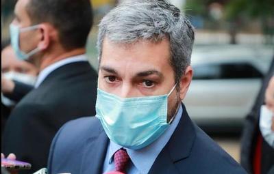 """Abdo: """"No tenemos la afluencia que pensábamos que habría en los vacunatorios"""""""