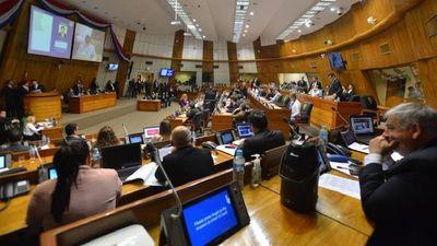 Abdo pide reflexionar sobre la ley de autoblindaje, sin anticipar decisión