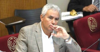 La Nación / Zavala rechaza legalizar la invasión y pide elevarla a categoría penal de crimen